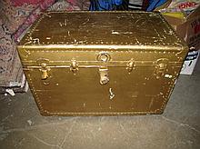 (21)Vintage Trunk. Pained Gold. As Seen. Local Pick Up.
