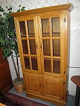 Oak China/Curio Cabinet. As Shown. Local Pick Up.