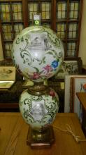 52) Outstanding, antique / vintage, large, hand painted, Gone With The Wind (G.W.T.W.), electrified table lamp with floral and city scene. COND VG. Slight discoloration to metal base. Special shipping required