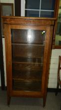 189) Outstanding! American oak, Arts & Crafts single door bookcase / curio cabinet. Special shipping required