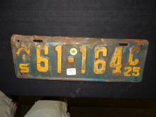 Original 1925 Wis auto license plate