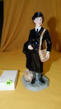 Royal Doulton figurine Womens Royal Naval Service HN 4498, limited edition 1711 / 2500 cond VG