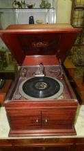 Antique table top Victrola Victor Talking machine, hand crank phonograph, special shipping required