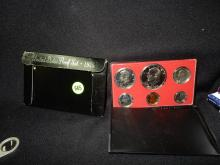 Nice U.S. Proof coin set in holder 1975