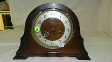 33) Lovely antique Art Deco oak mantle clock marked Enfield England, cond VG