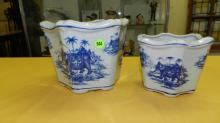 2 piece Nice Asian style porcelain blue and white planters