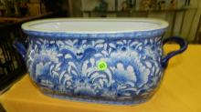 Nice Asian style porcelain blue and white large planter