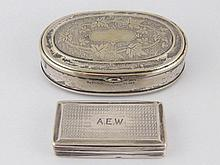 A Georgian silver snuff box with reeded sides and