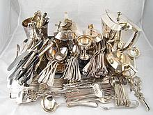 A quantity of silver plate, including a four piece Art Deco teaset, an ice