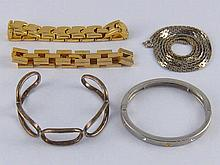 A mixed lot comprising a white metal (tests silver) bangle, a costume jewel