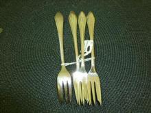 Silver lobster forks- 111 grams