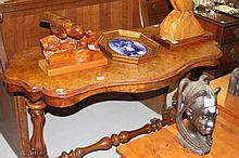 19th cent. Burr walnut occasional table, serpentin