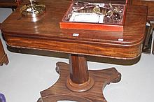 19th cent. Mahogany single pedestal fold over tea