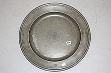 Pewter: 18th/19th cent. Pewter charger, four touch