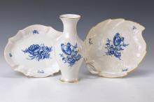 3 pieces Meissen, after 1970, blue flowers