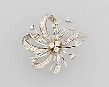 14 kt blossom gold brooch with diamonds