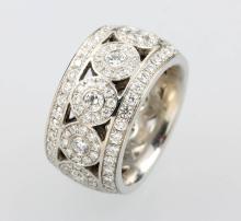 Platinum designer-ring with brilliants