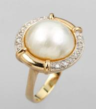 14 kt gold ring with pearl and brilliants