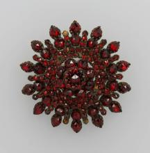 Brooch with garnets, Bohemia approx. 1860s