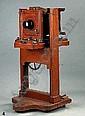 Studiokamera dt. um 1900 Format 10x15 Mahagonigehause hohenverstellbares Stativ Objektiv