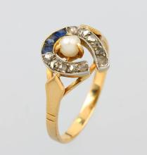 18 kt gold ring with sapphires, diamonds and pearl