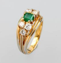 18 kt Gold emerald-diamond ring