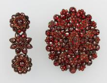 Lot 2 bohemian garnet brooches ca. 1900