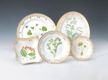 Glass, porcelain, antiques and collectibles