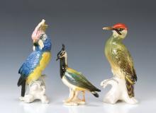 three figurines, Ens