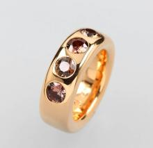 18 kt gold ring with sapphires