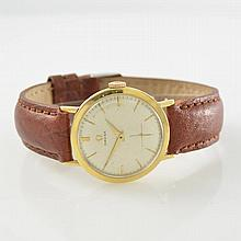 OMEGA 14k yellow gold gent's wristwatch