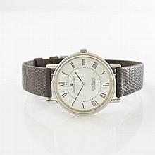 UNIVERSAL GENEVE White Shadow gent's wristwatch