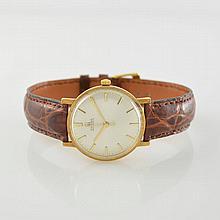 OMEGA self winding 14k yellow gold wristwatch