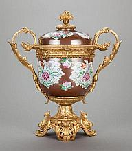 A CHINESE PAINTED PORCELAIN FRUIT COOLER WITH GILT BRON