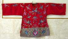A Hand-embroidered Silk Cloth of a Phoenix with Flowers Pattern