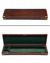 A BRASS-BOUND MAHOGANY SINGLE GUNCASE,