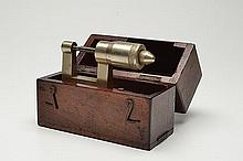 ELLIOTT BROS. LONDON A CASED VINTAGE GUNMAKERS MICROMETER,