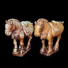 白玉雕立馬賞件(一對) A Pair of Well Carved Jade Horses