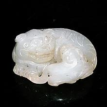 和田玉雕雄獅教子擺件 Hetian White Jade Carving of Lion with its Young