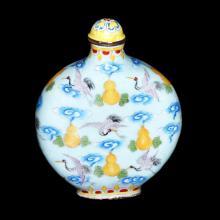 铜胎画珐琅仙鹤葫芦纹鼻烟扁壶 Famille-Rose Enamel on Copper Flask Snuff Bottle with Flying Crane on Clouds Motifs