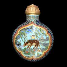 掐丝珐琅开光牧童放牛风景鼻烟壶 A Gilt Bronze Cloisonne Enamel Snuff Bottle with Foliate Windows of Herding along the Pond Scene