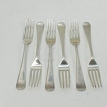 Six rattail London made HM silver table forks,