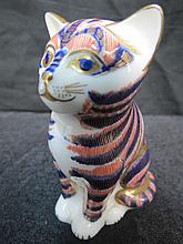 A Royal Crown Derby paperweight modelled as a cat,