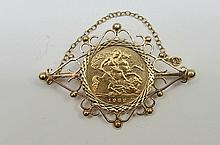 1982 half sovereign in 9ct gold brooch mount total