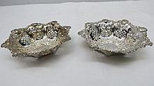 A pair of silver (Birmingham 1898) bon bon dishes