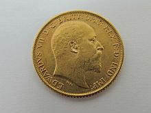 A King Edward VII gold half sovereign, 1910. 4g.