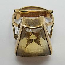 A smoke quartz dress ring of a truncated