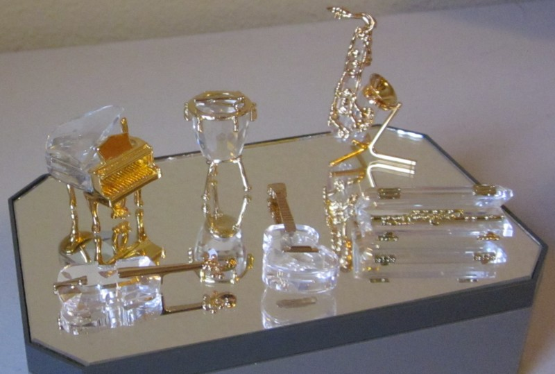 SWAROVSKI CRYSTAL LOT OF 6 MINIATURE FIGURINES MUSICAL INSTRUMENTS WITH BOXES