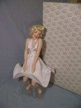 FRANKLIN MINT HEIRLOOM MARILYN MONROE SEVEN YEAR ITCH PORCELAIN DOLL W/ BOX + COA 17.5
