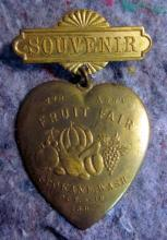 RARE 1897 SPOKANE FRUIT FAIR HEART SHAPED SOUVENIR PIN BADGE